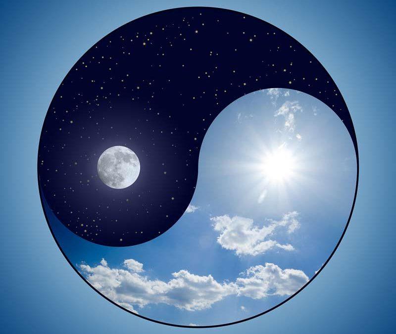 le Yin Yang rappelle qu'il nous faut trouver le juste équilibre en nous, pour atteindre une harmonie parfaite